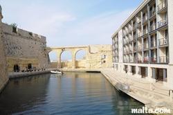 Small restaurant and residences in Vittoriosa Birgu