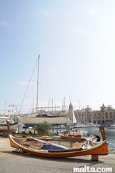 Luzzu docked in Senglea