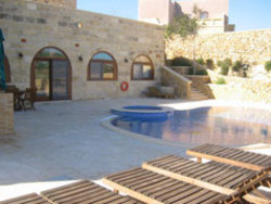Swimming pool and deck area of at Pergola 4 farmhouse