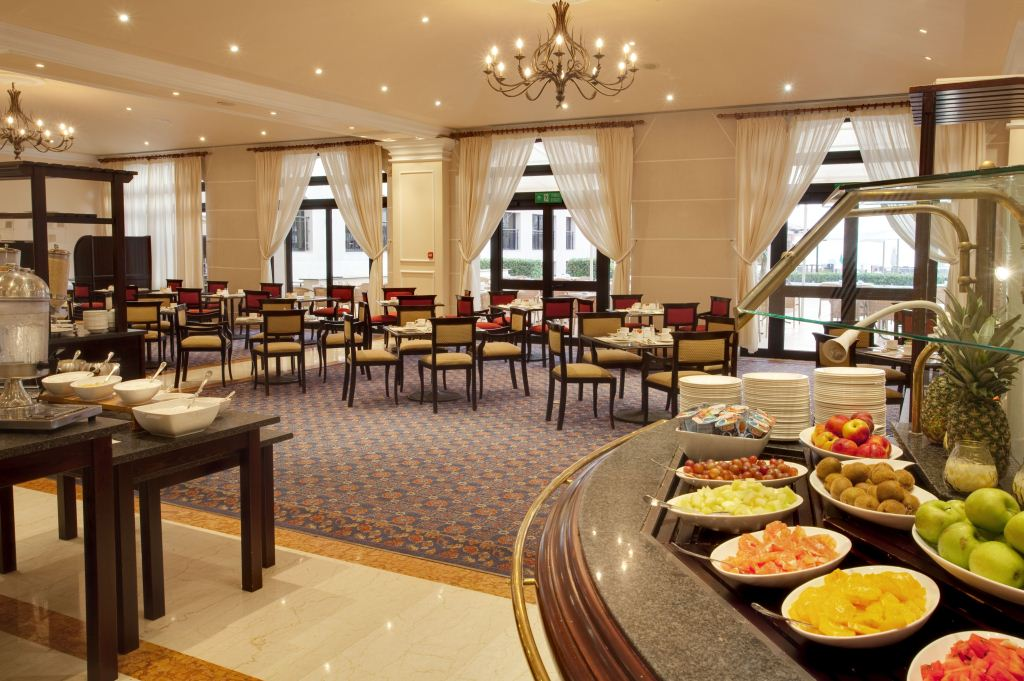 The westin dragonara resort hotel st julian 39 s east for Terrace hotel breakfast