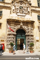 facade of the Auberge d'Italie tourism office