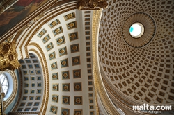 Details and the rotunda of Mosta Dome