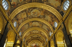 golden ceiling in St. john's cathedral valletta