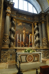 side altar with twisted columns in St. john's cathedral valletta