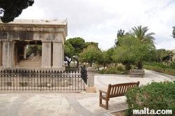 memorial and bench  in hastings garden valletta