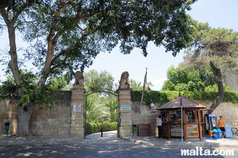 Garden Centre: San Anton Gardens
