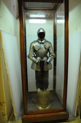 complete armour in the palace armoury in valletta
