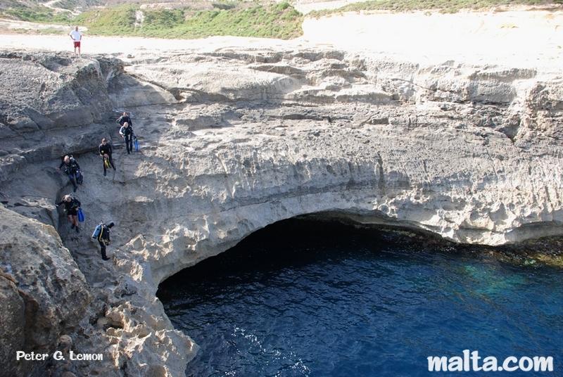 Billinghurst cave dive ghasri gozo for Gozo dive centres