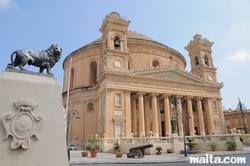 view of Mosta Dome and lion