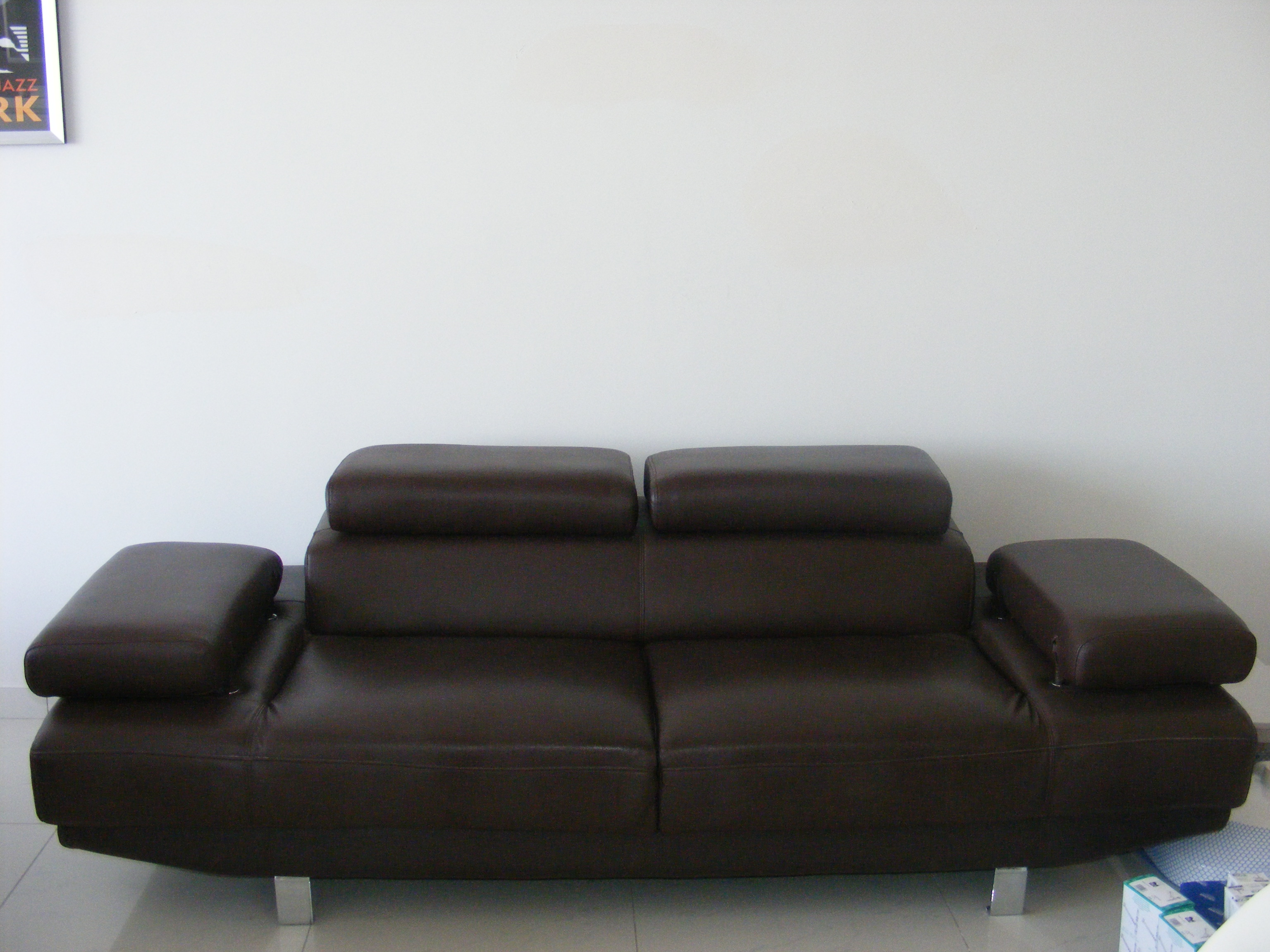 Brown leather sofa for sale in malta malta classified ads for Local furniture for sale